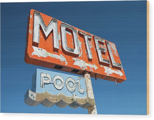 Abandoned Motel Sign At Yucca, Mohave Wood Print by Feifei Cui-paoluzzo
