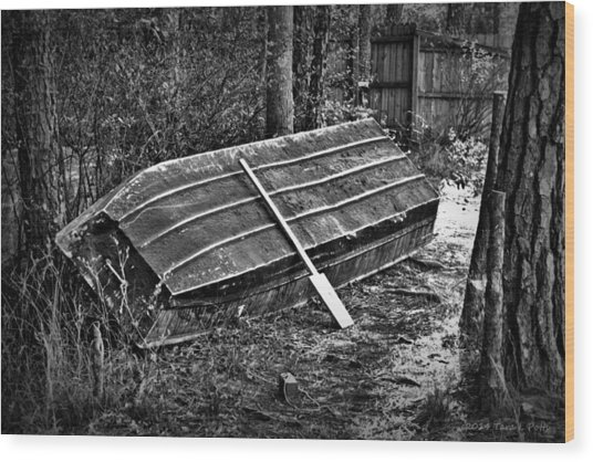 Abandoned Rowboat Wood Print