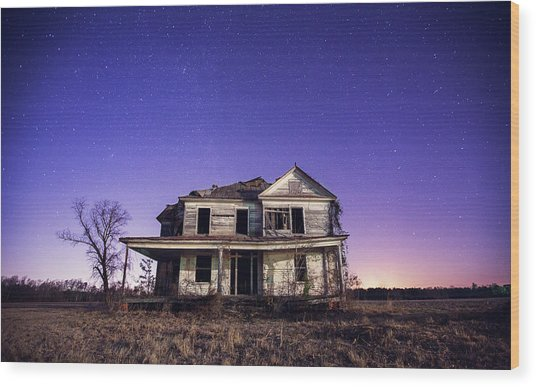 Abandoned Rural Farmhouse Wood Print by Malcolm Macgregor