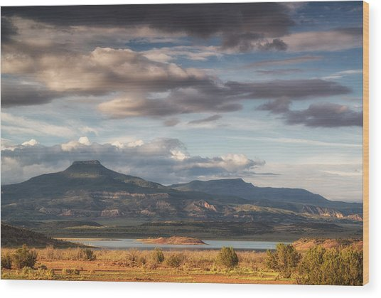Abiquiu New Mexico Pico Pedernal In The Morning Wood Print