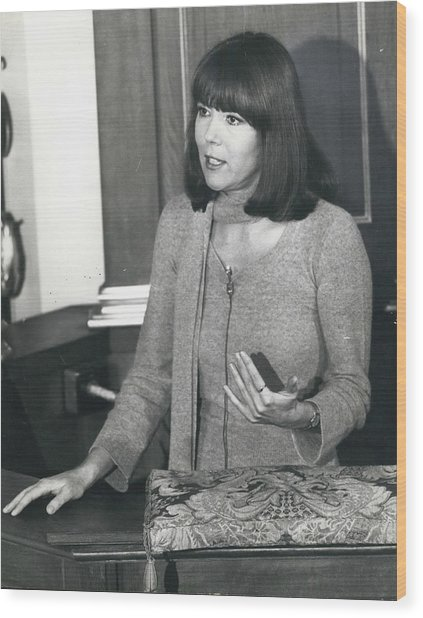 Actress Dina Rigg In Lunch Hour Dialogue At St. Mary-le-bow Wood Print by Retro Images Archive