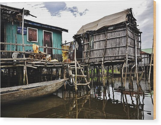 African Fishermen Hats Wood Print by Manu G