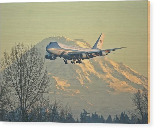 Air Force One And Mt Rainier Wood Print