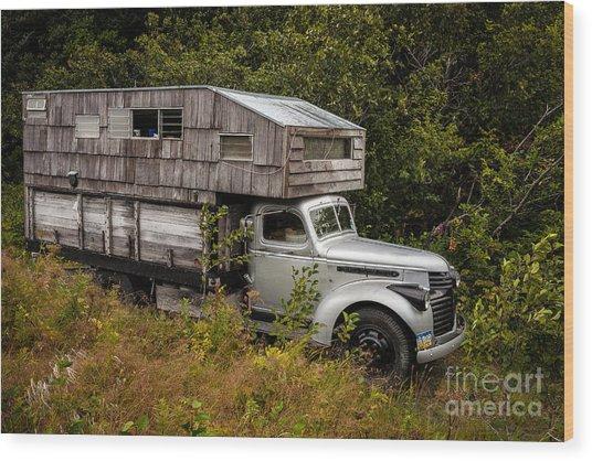 Alaskan Rv Wood Print