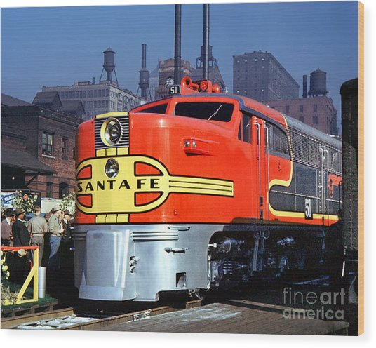 Alco Pa-1 51 Santa Fe Chief Diesel Locomotive Chicago 1946 Wood Print