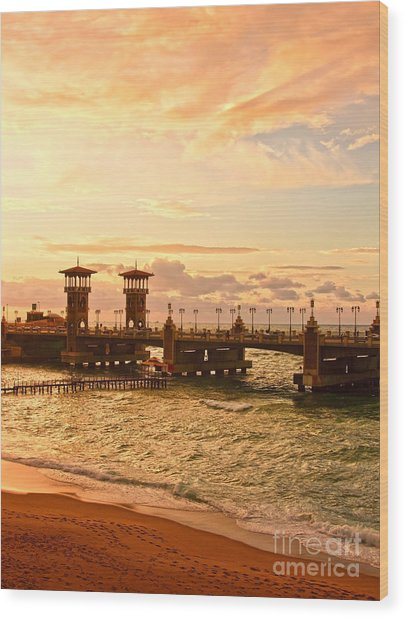 Alexandria Stanley Bridge Wood Print