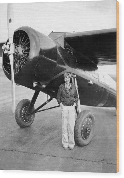 Amelia Earhart And Her Plane Wood Print