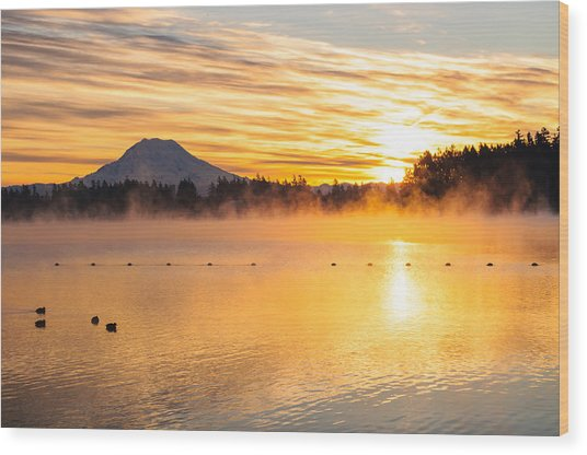 American Lake Misty Sunrise Wood Print