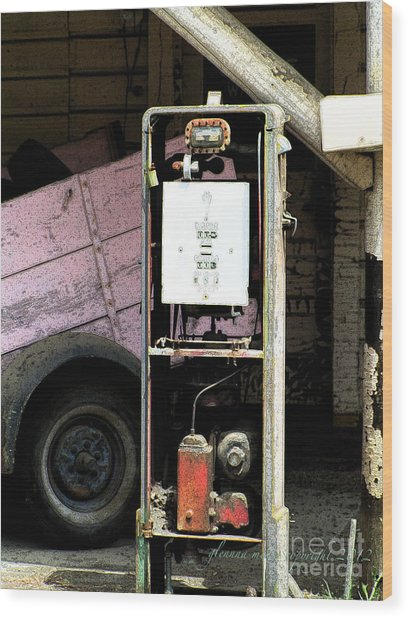 American Vintage Gas Pump Wood Print by Glenna McRae