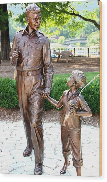 Andy And Opie Statue Nc Wood Print by Frank Savarese