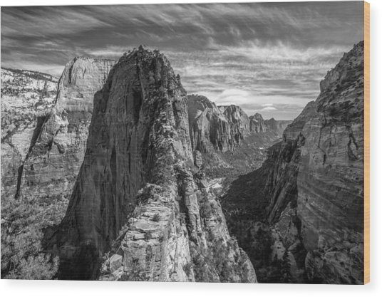 Angel's Landing In Black And White Wood Print