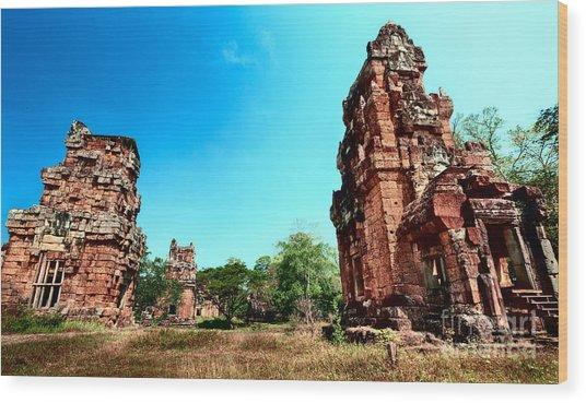 Angkor Wat Ruins Wood Print