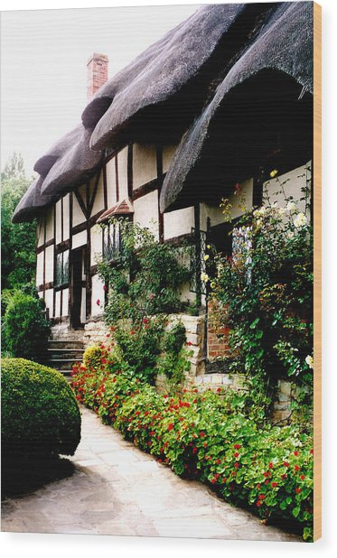 Anne Hathaway's Cottage Wood Print