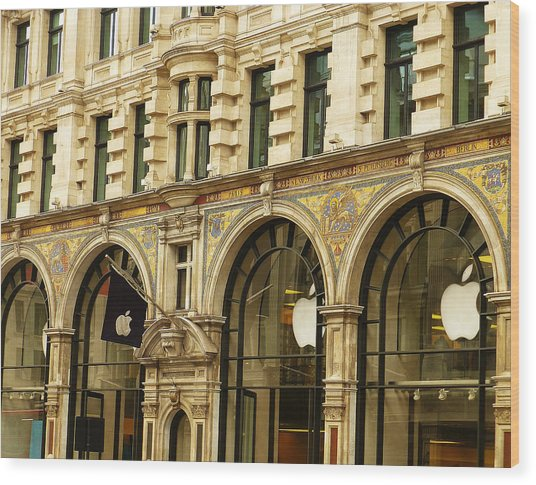 Apple On Regent Street Wood Print