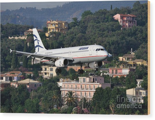Approaching Corfu Airport Wood Print
