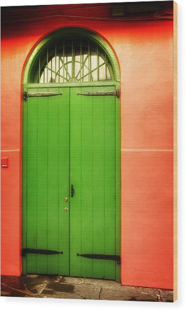 Arched Door In New Orleans Wood Print