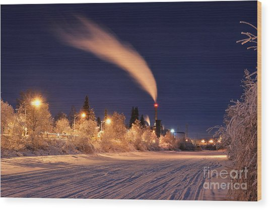 Arctic Power At Night Wood Print