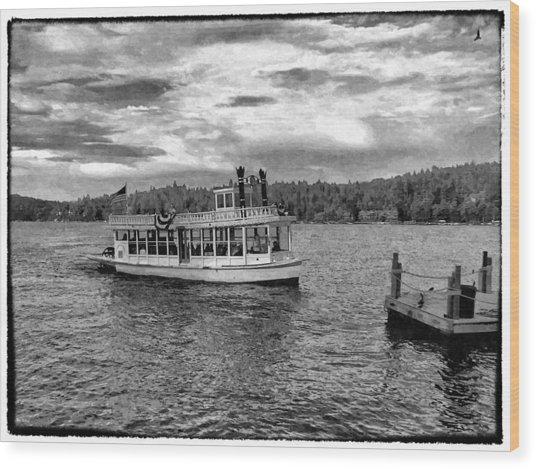 Arrowhead Queen Paddlewheel Boat Wood Print