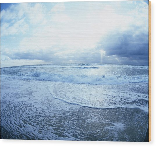 Atlantic On The Rise Wood Print
