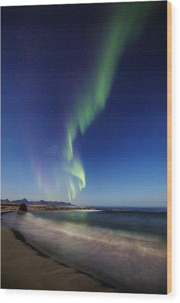 Aurora By The Beach Wood Print