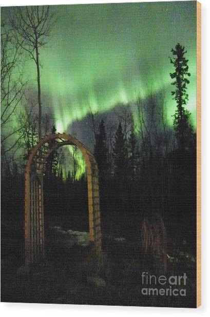 Auroral Arch Wood Print