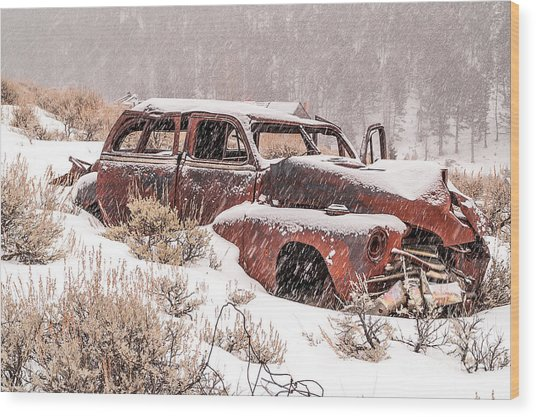 Auto In Snowstorm Wood Print