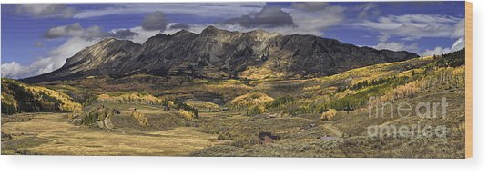 Autumn In The Valley Wood Print