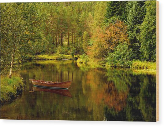 Autumn Lake With Boat Wood Print
