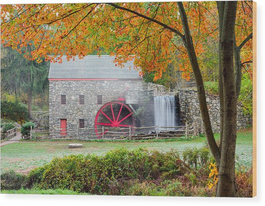 Auutmn At The Grist Mill Wood Print