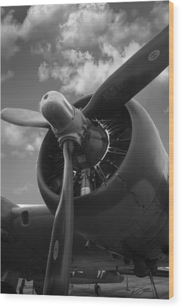 B-17 Engine Wood Print