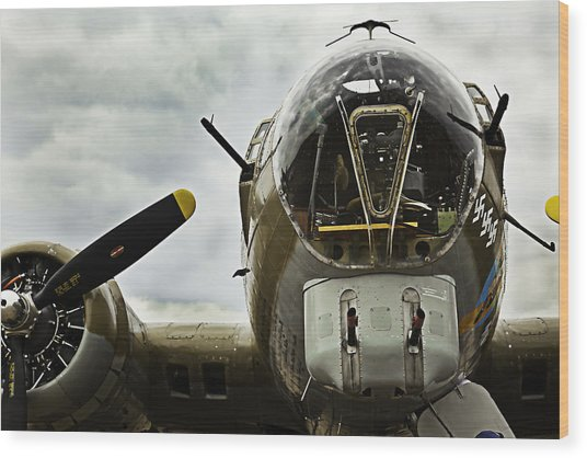 B17 Bomber Form Ww II Wood Print