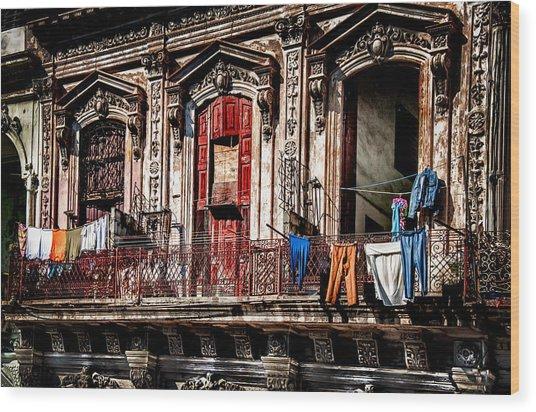 Balcony In Old Havana  Wood Print