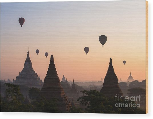 Ballons Over The Temples Of Bagan At Sunrise - Myanmar Wood Print