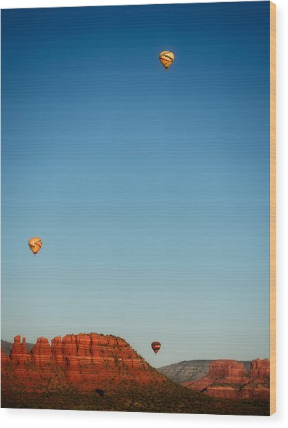 Balloons Over The Red Rocks Of Sedona Wood Print