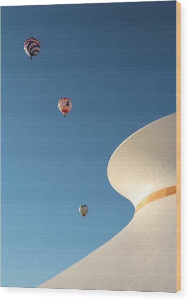 Balloons Race Over The Planetarium Wood Print