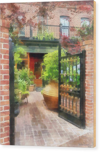 Baltimore - Restaurant Courtyard Fells Point Wood Print