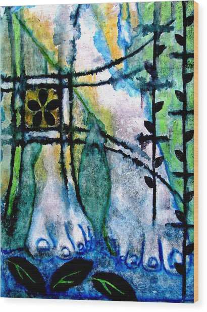 Barefoot In The Garden Wood Print