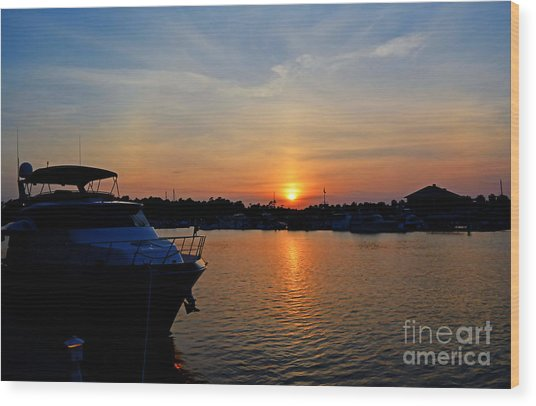 Barefoot Landing Sunset Wood Print by Kathy Baccari