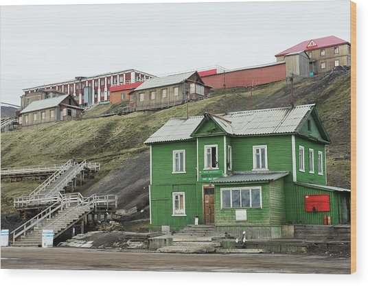 Barentsburg Wood Print by Dr P. Marazzi/science Photo Library