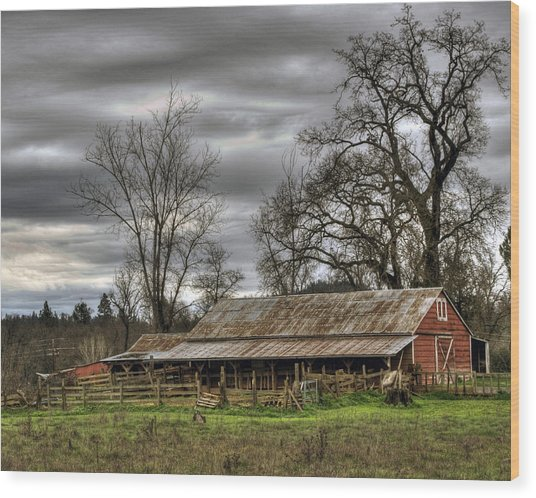 Barn In Penn Valley Wood Print