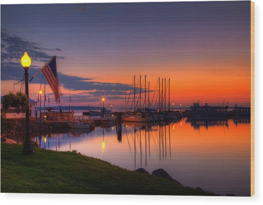 Bayfield Wisconsin Fire In The Sky Over The Harbor Wood Print
