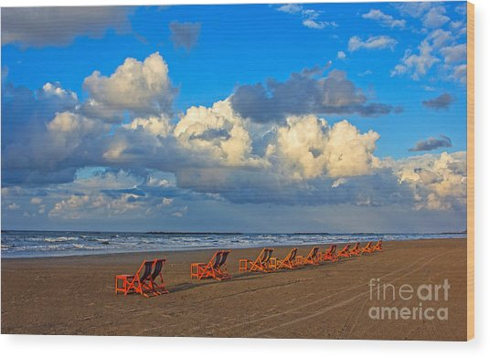 Beach And Chairs With Cloudy Sky Wood Print