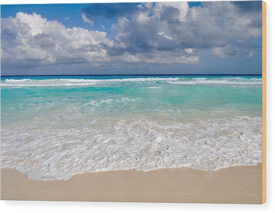 Beautiful Beach Ocean In Cancun Mexico Wood Print