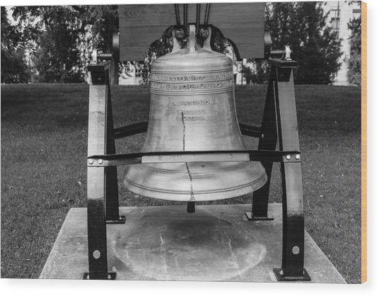 Bell At Tn State Capitol Wood Print
