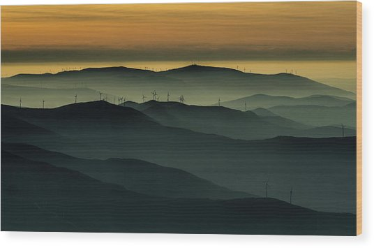 Below The Horizon Wood Print by Rui Correia