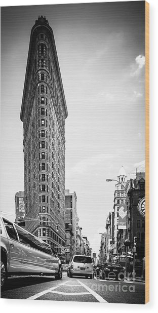 Big In The Big Apple - Bw Wood Print