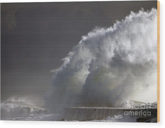 Big Storm Wave Wood Print by Boon Mee