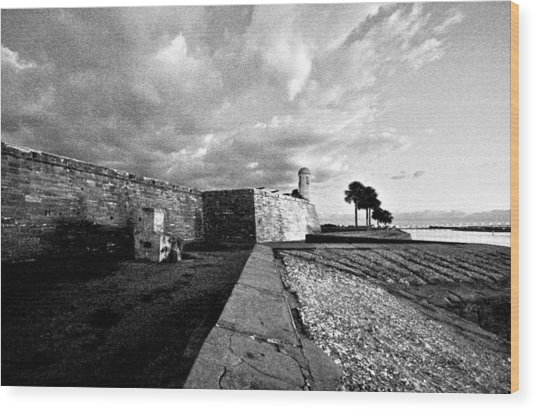 Black And White Castillo De San Marcos View 4 Wood Print