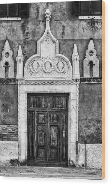 Black And White Door In Venice Wood Print