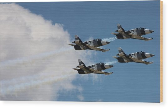 Black Diamond L-39s In Flight Wood Print